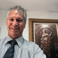 Dr. Milton Lopes